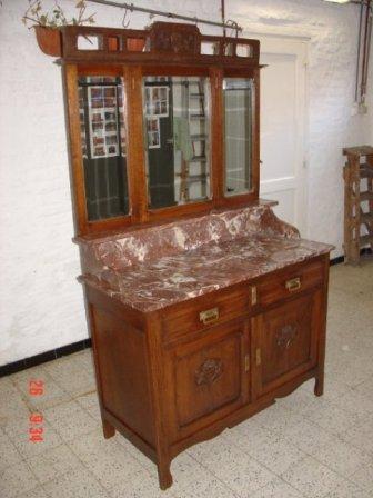meuble bois et marbre